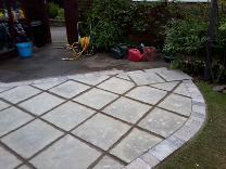 patio slabs with pointed joints